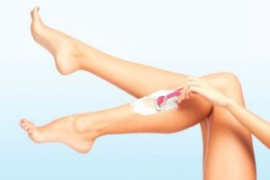 The main mistakes during hair removal with a razor, which appears irritation